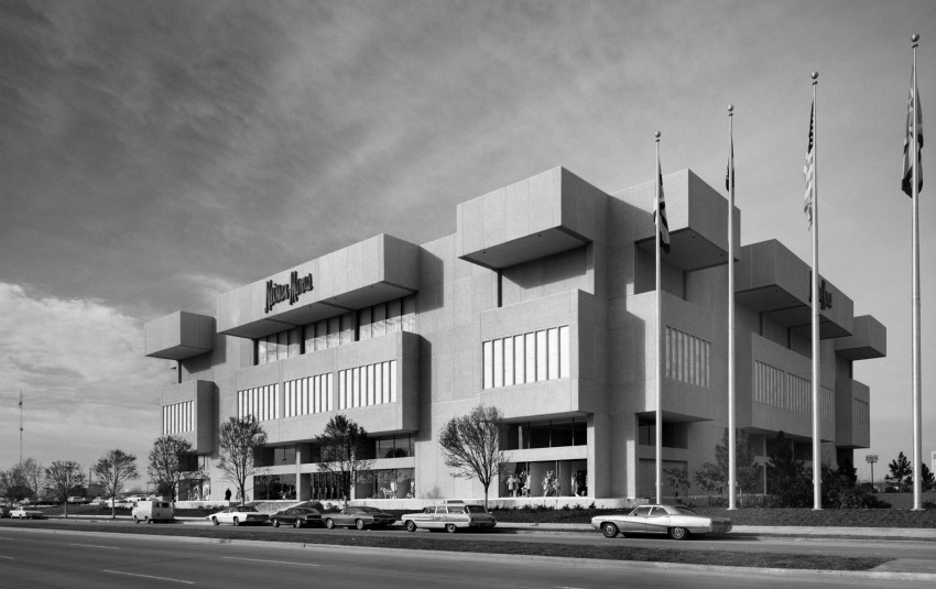 Neiman Marcus Department Store at Houston Galleria, Houston, Texas, HOK (architects), Gerald Hines (developer), 1969.