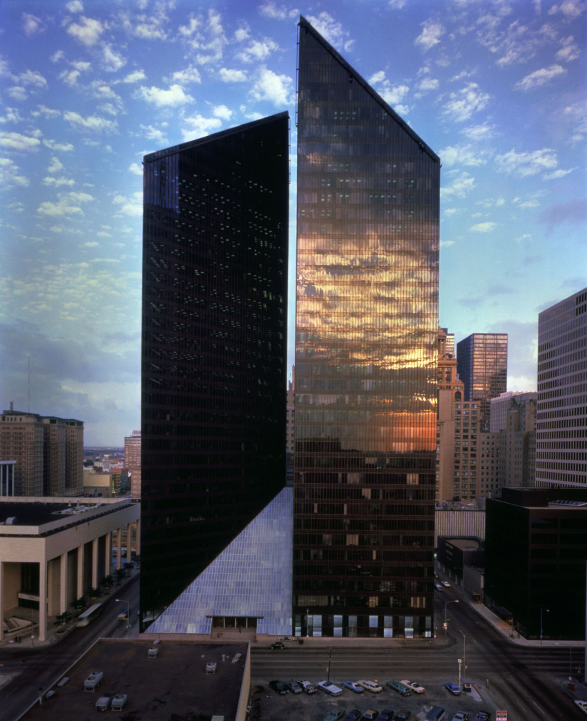 Pennzoil Place, Houston, Texas, Johnson Burgee (architects), Gerald Hines (developer), 1976.
