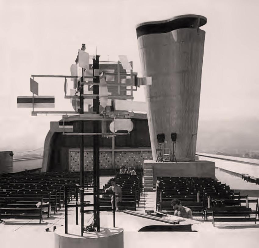 Installation of CYSP-1 at the Cité Radieuse, or Unité d'Habitation de Marseille, at the first Festival d'Art d'Avant-Garde, 1956. Photo courtesy of Eléonore de Lavandeyra-Schöffer.